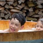 Kinder im Molkebad